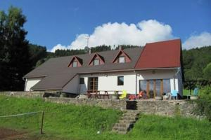 Riesengebirge:  Situated in Žacléř, this villa features a patio. The pro...